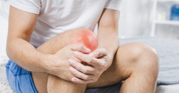 fájó térdduzzanat a térd alatt a vállízület osteochondrosis kezelése