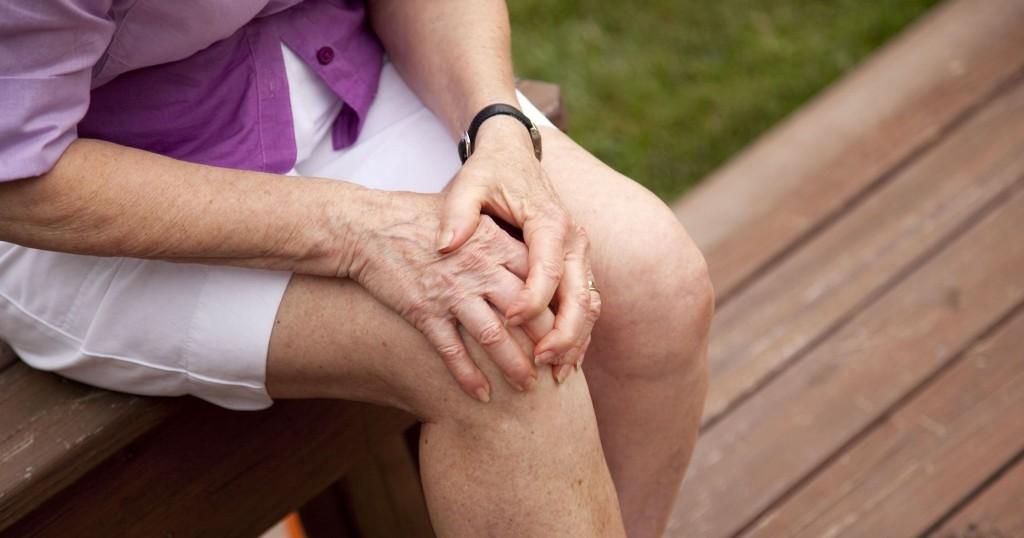 a szent tavasz gyógyítja az ízületeket akut térd artritisz tünetek és kezelés