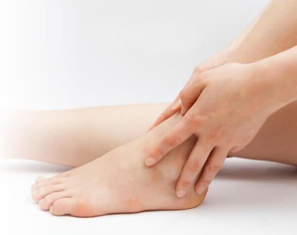 hogyan enyhíthető a lábízület duzzanata