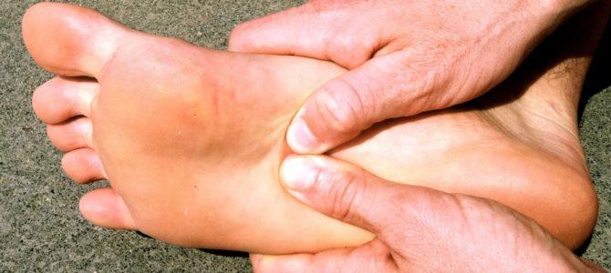 fájó ízületek húzza a lábát a karon lévő csukló fáj az ízületre