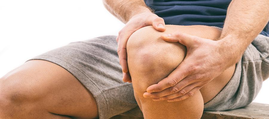 fájdalom az alsó hátán és a térdízületekben