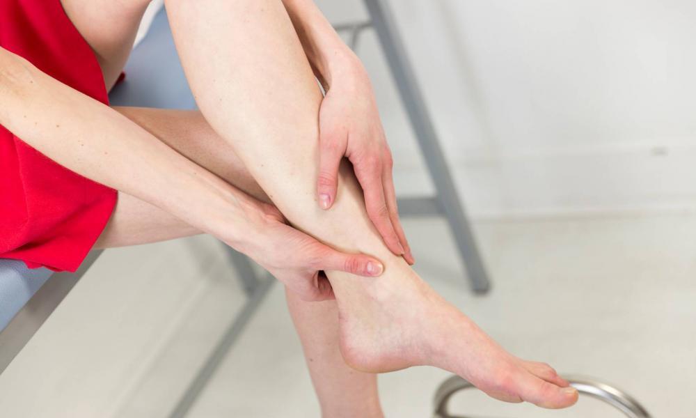 a szent tavasz gyógyítja az ízületeket vándorló fájdalom a karok és a lábak ízületeiben