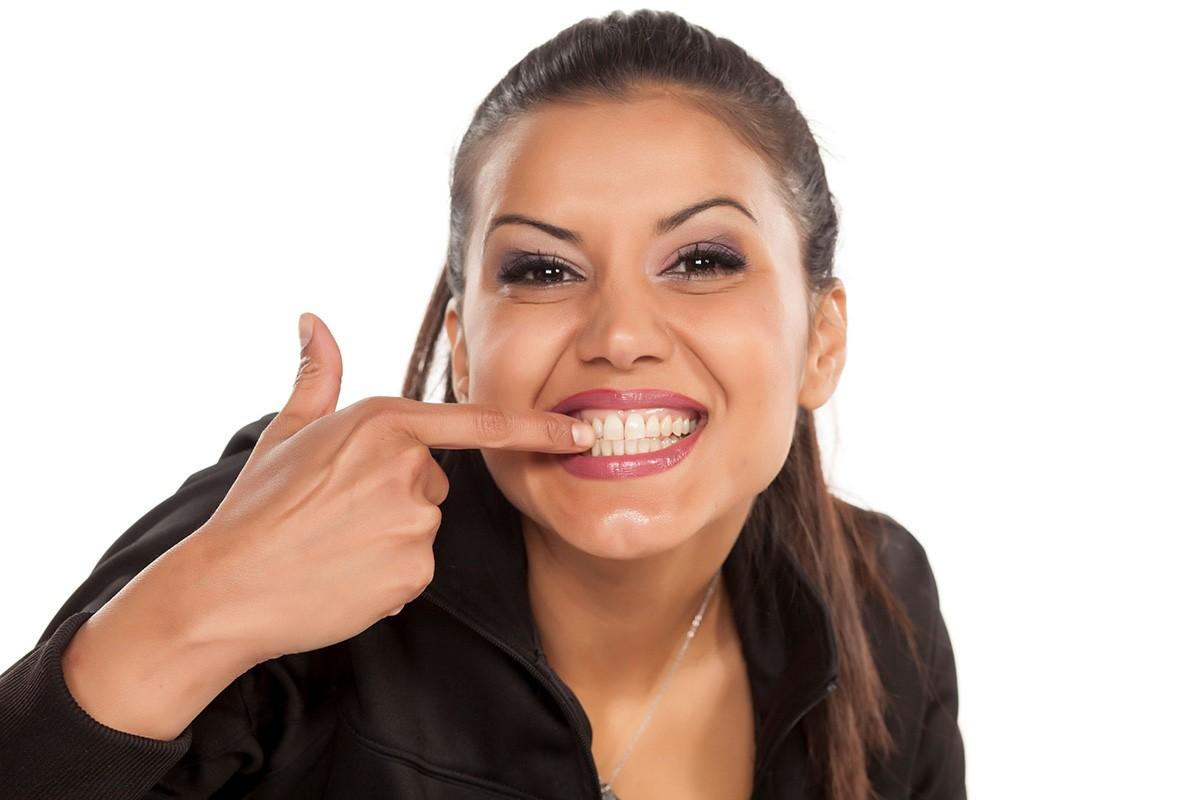 A rossz fogíny miatt fájnak az ízületek?