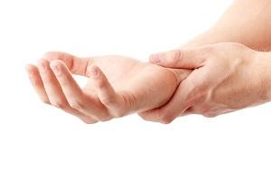 aki kezek artrózisát kezeli)