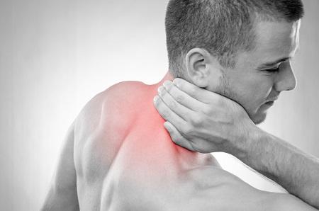 ropogás a vállízületben és súlyos fájdalom