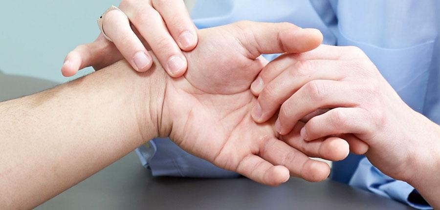 egy ujj interfalangeális fájdalma