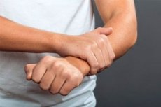 aki kezeli az allergiás izületi gyulladást fájó húzó fájdalom a csípőízületben