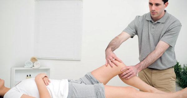 fájdalom és a kézízületek duzzanata