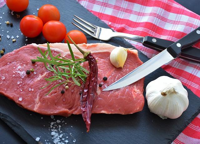 közös marhahús lábak)