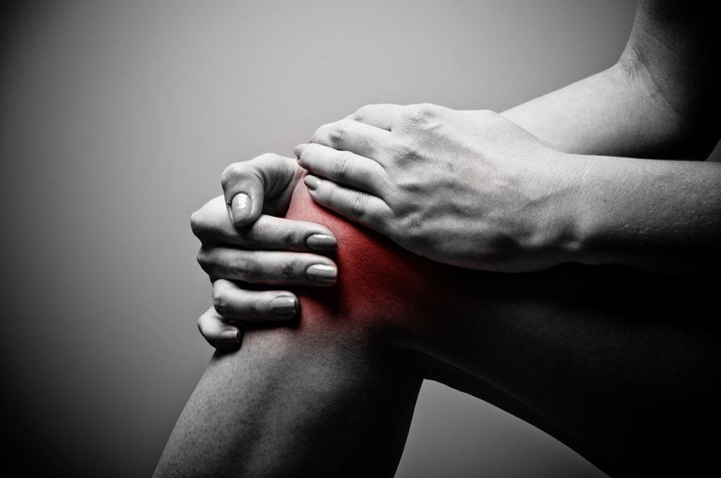 térdízületek duzzanata artrózissal)