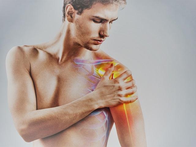 súlyos fájdalom a vállízületben edzés közben)