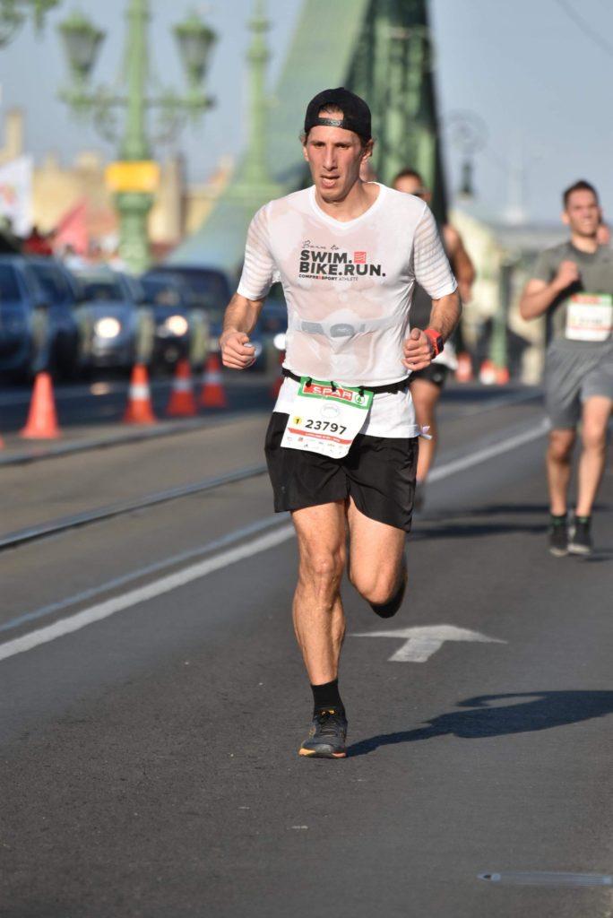 térdkárosodás futás közben)