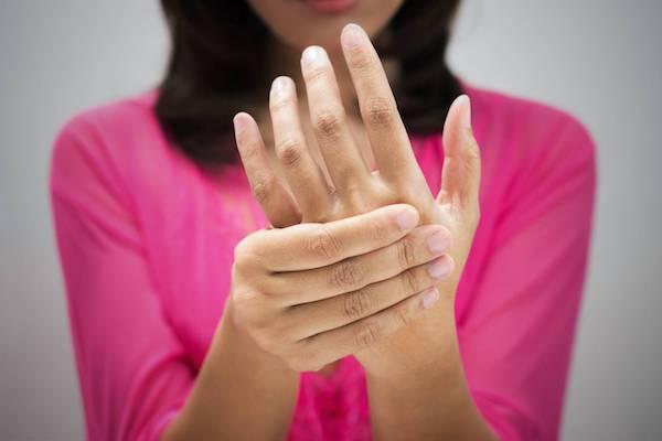 fájdalom az ujjakban