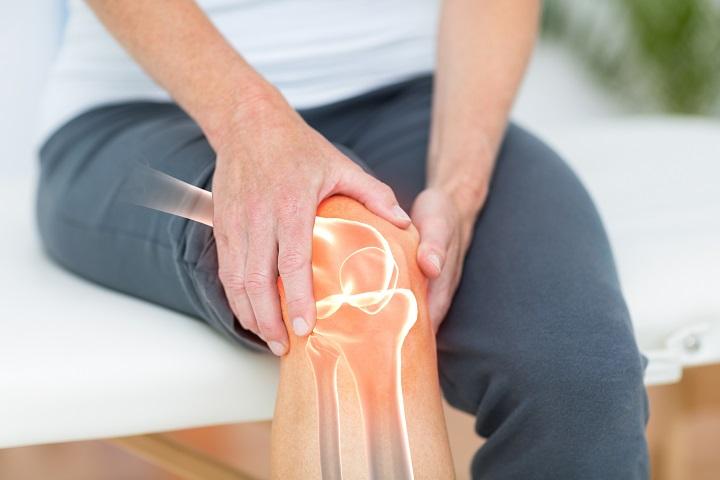 hogyan lehet enyhíteni a térdízület duzzanatát és fájdalmát)