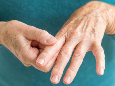 kéz ujjainak fájdalma