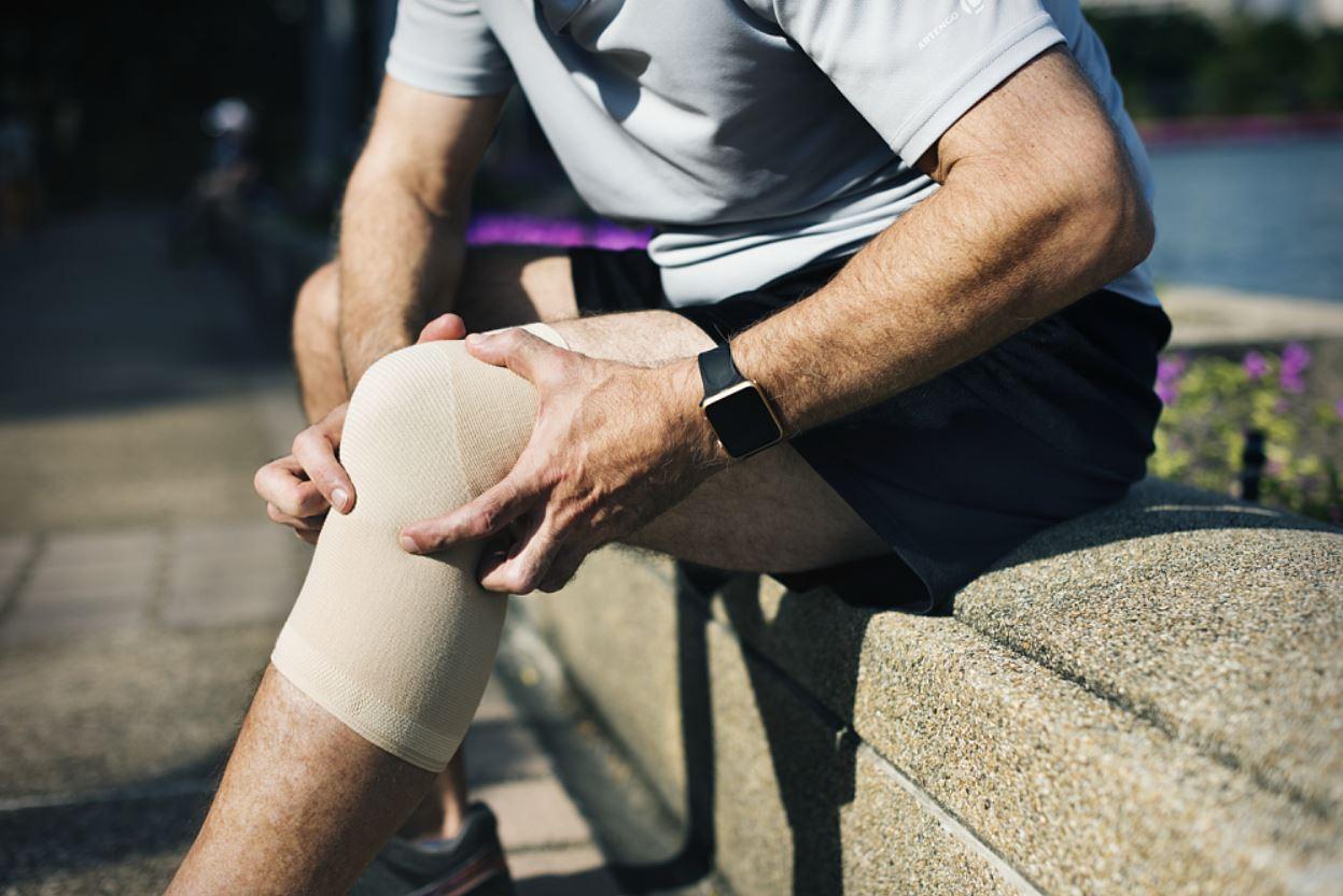 csípőprotézis után térdfájás krónikus boka sérülés kezelése