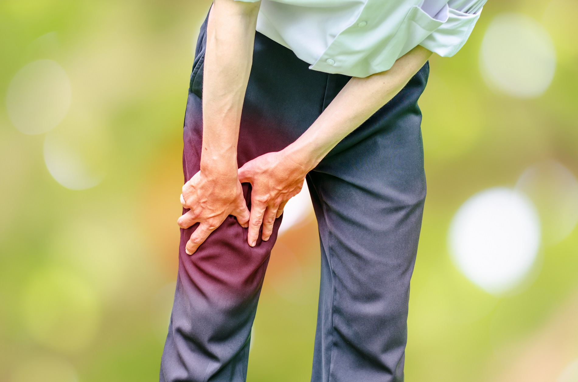 fájó és duzzadt térdízületi kezelés
