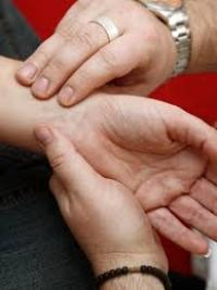kézmasszázs ízületi gyulladás esetén)